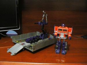 Optimus Prime 1985 Robot