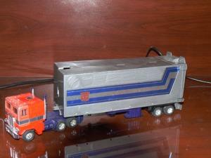 Optimus Prime 1985 Truck